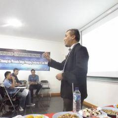 """Pada saat mengisi seminar """"Tingkatkan Ilmu dan Teknologi sebagai Penunjang Kesuksesan di Usia Muda"""" @STMIK Insan Pembangunan,, 5 Nop 2014"""