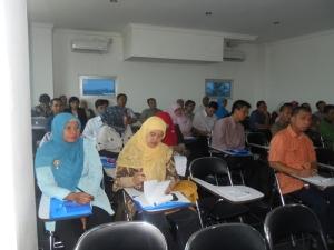 Peserta yang berjumlah 56 oang dari berbagai perguruan tinggi yang mengikuti acara seminar dan workshop