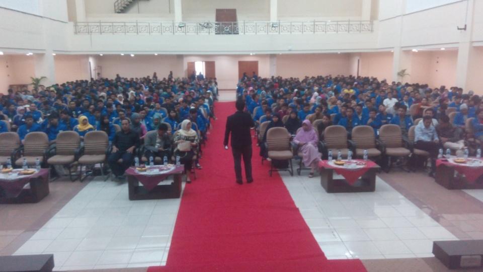 seminar oleh bambang suhartono